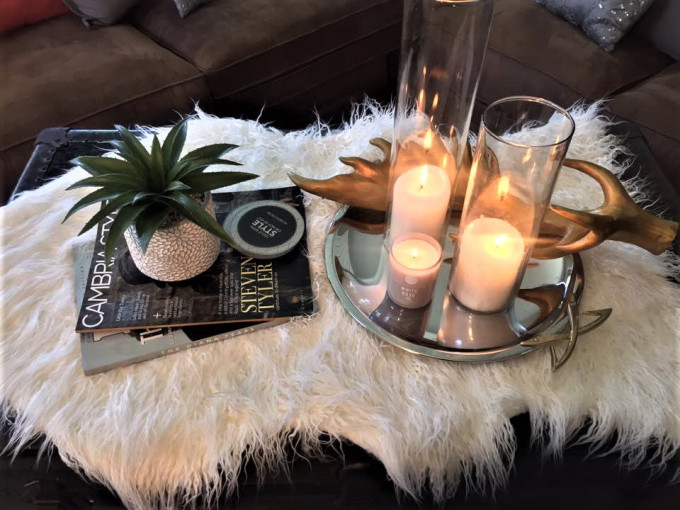 How to perfectly style any coffee table